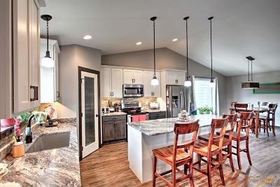 Hermosa Single Family Home For Sale: 13855 Box Canyon Rd
