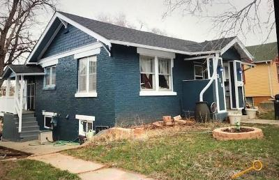 Single Family Home For Sale: 310 Columbus