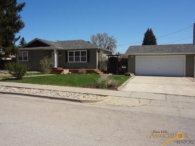 Rapid City Single Family Home For Sale: 206 42nd