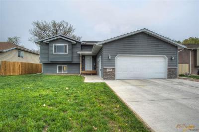 Rapid City Single Family Home For Sale: 4946 Savannah St