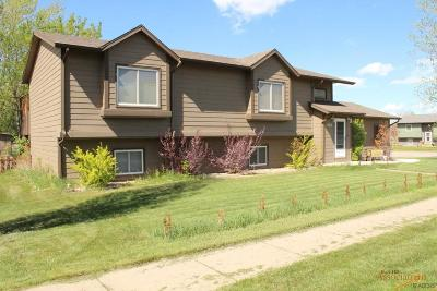 Rapid City Single Family Home For Sale: 524 E Minnesota