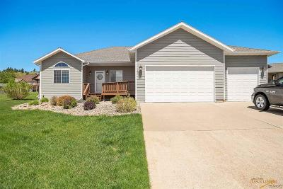 Spearfish Single Family Home For Sale: 1816 Iron Horse Loop