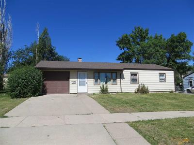 Rapid City Single Family Home For Sale: 3203 Lynnwood Ave