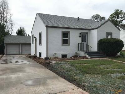 Single Family Home For Sale: 3917 Minnekahta