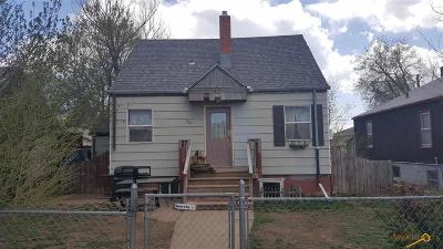 Single Family Home For Sale: 305 E Denver