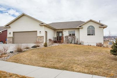 Rapid City Single Family Home For Sale: 420 Field View Dr