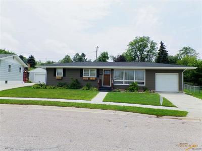 Rapid City Single Family Home For Sale: 2701 Lawndale Dr