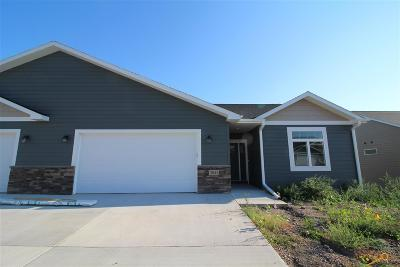 Rapid City Condo/Townhouse For Sale: 3043 Hoefer Ave