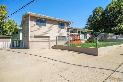 Rapid City Single Family Home For Sale: 2126 Arroyo Dr