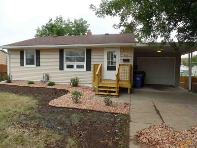 Single Family Home For Sale: 332 E Tallent