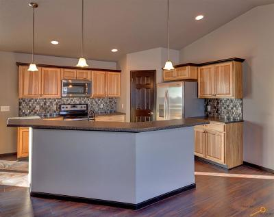 Rapid City, Hermosa, Box Elder, Black Hawk, Rapid Valley, Summerset, Piedmont, Piedmont Valley Single Family Home For Sale: 14367 Wolf Creek Court
