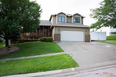 Rapid City Single Family Home For Sale: 615 Fox Run Dr