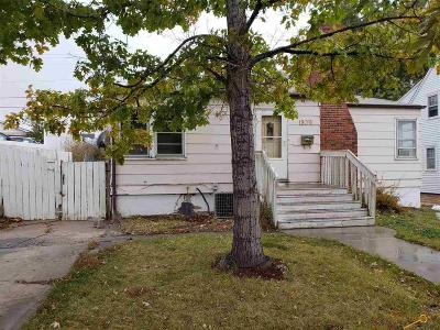 Single Family Home For Sale: 1809 5th St