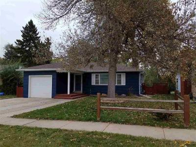 Single Family Home U/C Contingency: 406 Platt