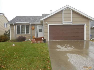 Rapid City Single Family Home For Sale: 1250 Range View Cir