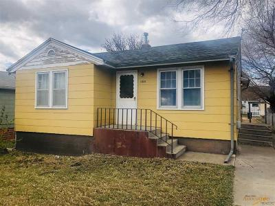 Rapid City, Box Elder, Piedmont, Black Hawk, Hermosa, Summerset, New Underwood Single Family Home U/C Contingency: 1021 Haines Ave