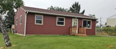 Single Family Home For Sale: 617 E Oakland