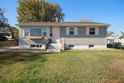 Rapid City Single Family Home For Sale: 2409 Maple Ave