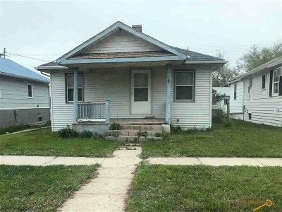 Single Family Home For Sale: 107 4th Ave