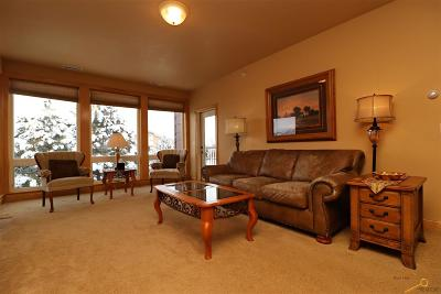 Rapid City Condo/Townhouse For Sale: 4049 Fairway Hills Dr