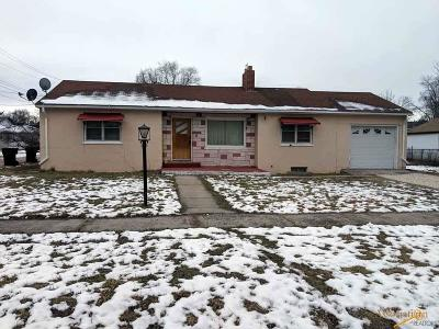 Single Family Home For Sale: 234 S 20th