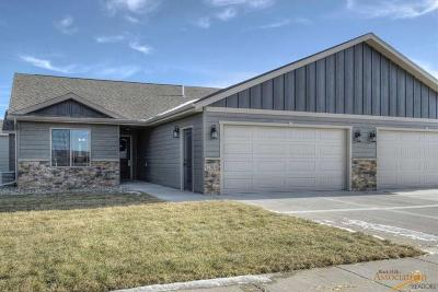 Rapid City Condo/Townhouse For Sale: 2908 Elderberry Blvd