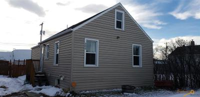 Single Family Home U/C Contingency: 305 E Watertown