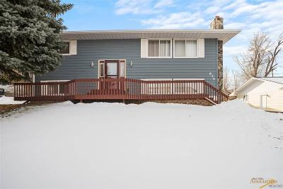 Single Family Home For Sale: 634