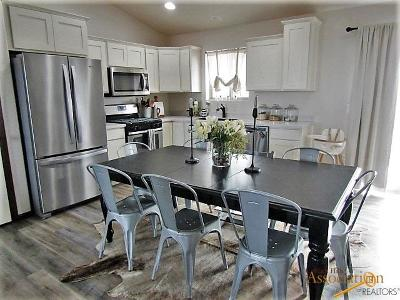 Rapid City, Hermosa, Box Elder, Black Hawk, Rapid Valley, Summerset, Piedmont, Piedmont Valley Single Family Home For Sale: 15593 229th St