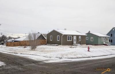 Single Family Home U/C Contingency: 634 Meade