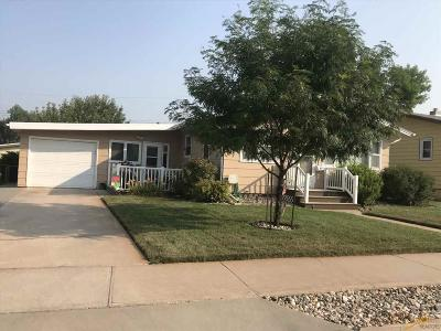 Rapid City Single Family Home For Sale: 2702 Lawndale Dr