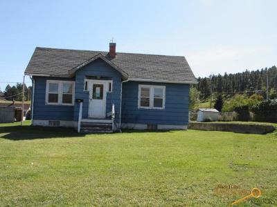 Single Family Home For Sale: 920 Gordon