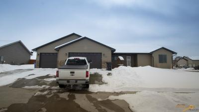 Rapid City Single Family Home For Sale: 303 E Enchanted Pines Dr
