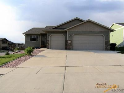 Rapid City Single Family Home For Sale: 901 Gainsboro Dr