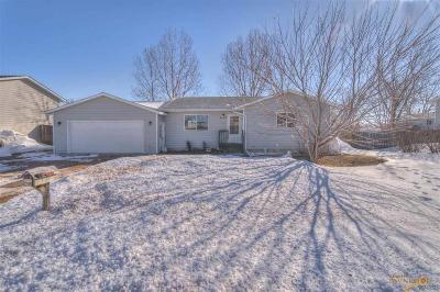 Single Family Home For Sale: 2450 Harwood