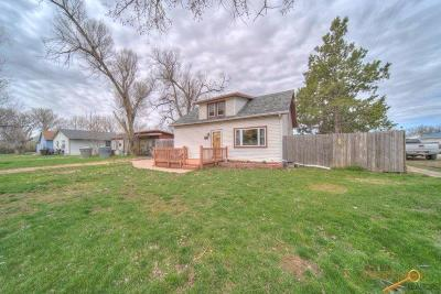Single Family Home For Sale: 401 S Bailey Ave