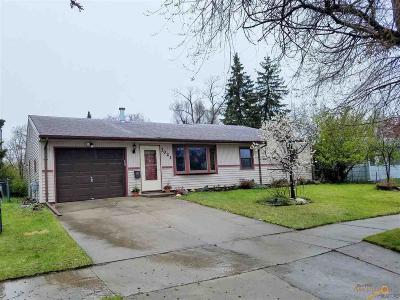 Rapid City Single Family Home U/C Contingency: 3021 Lynnwood Ave