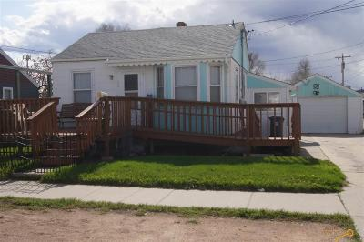 Single Family Home U/C Contingency: 409 Spruce Ct