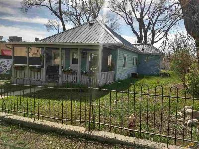 Single Family Home For Sale: 103 N Hwy 73