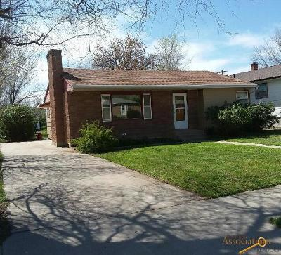 Single Family Home For Sale: 109 N Howard