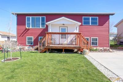 Rapid City Single Family Home U/C Contingency: 520 Crazy Horse