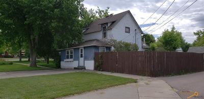 Single Family Home For Sale: 129 E Lincoln