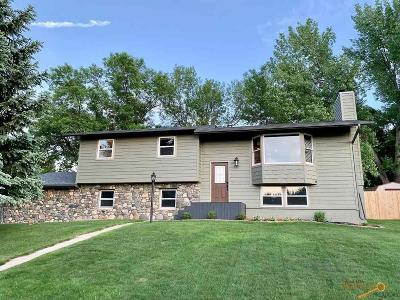 Rapid City Single Family Home For Sale: 4950 Steamboat Cir