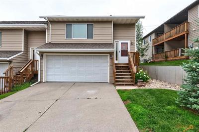 Condo/Townhouse For Sale: 635 E