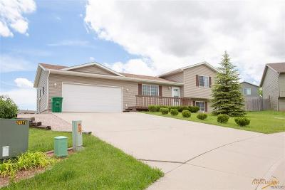 Single Family Home U/C Contingency: 6910 Orchid Ct