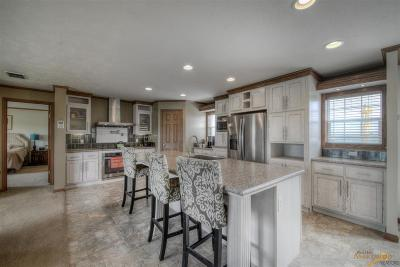 Hermosa Manufactured Home For Sale: 24185 Dewey Ln