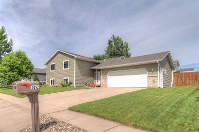 Rapid City Single Family Home For Sale: 1052 Pennington
