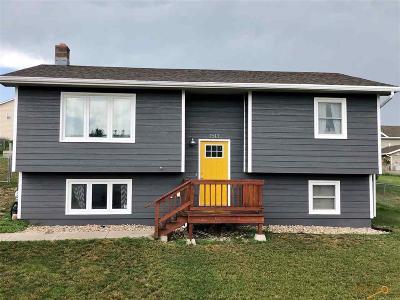Rapid City Single Family Home For Sale: 1513 Plateau Ln