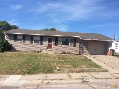 Rapid City Single Family Home For Sale: 2807 Lynnwood Dr