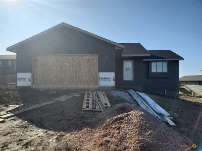 Rapid City Single Family Home For Sale: 635 Braelynn Ln